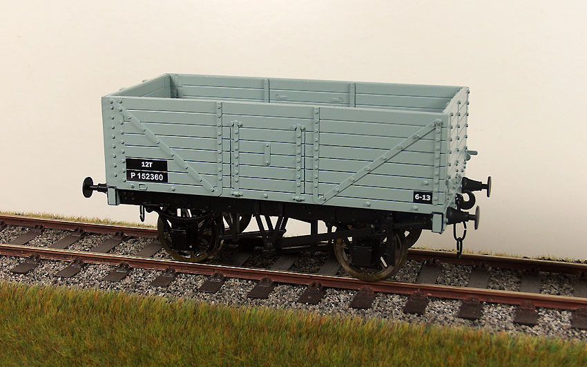 Accucraft UK - 1:32 Scale RCH Seven Plank Wagons
